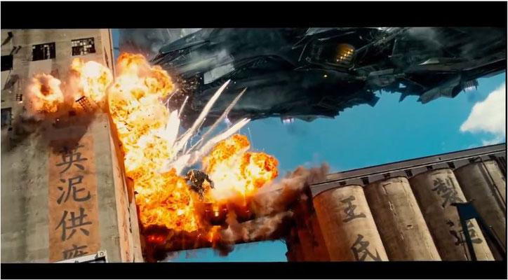 Action, Action, Action: mehr als 120 der insgesamt 165 Minuten des Films besteht aus Brachialaction wie dieser