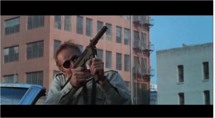 Charlton Heston als Robert Neville in seinem zweiten von Drei Science Fiction Filmen, die er zwischen 1968 und 1971 drehte