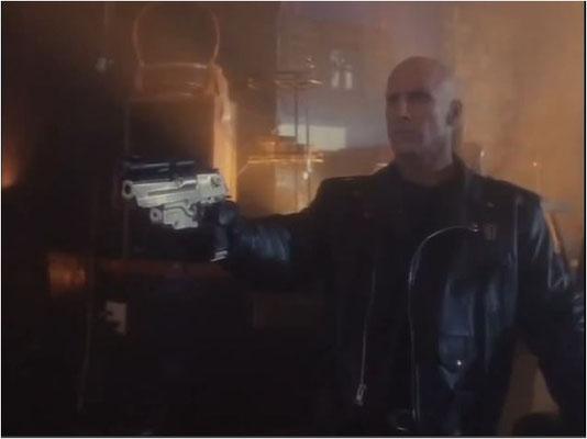 ein Cybercore-Tracker, im Film wird recht deutlich, dass es sich bei dieser Figur im Grunde um eine schlichte Terminator-Kopie handelt.