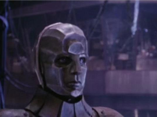 Fans der Maskenbildnerei sollten vor allem ein Auge auf Sherman, den Roboter werfen, dessen Umsetzung mir besonders gut gefällt