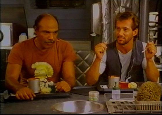 Richard Norton und vor allem Ron O'Neal zeichnen sich durch Spielfreude aus