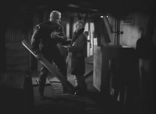 Robert Cornswaite spielt Dr. Carrington, den typischen Mad Scientist