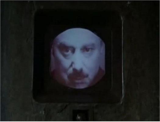 """""""Big Brother is watching you"""". Diese berühmten Worte kommen im Film nicht vor, sondern werden geschickt visualisiert"""