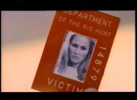 """Jedes registrierte Mitglied erhält einen Jäger- oder Opferausweis, dass ihn/sie legitimiert, an der """"Großen Jagd"""" teilzunehmen"""