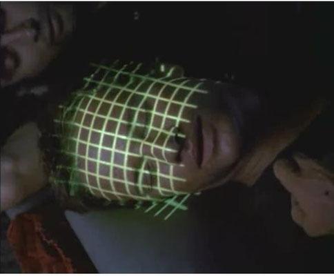 Selbst im Schlaf können die Gefangenen keine Privatspähre genießen