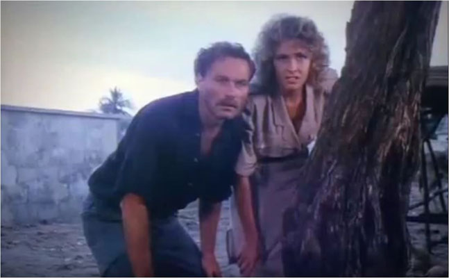 Franco Nero, weltbekannt geworden als Django und Deborah Moore, Tochter von Roger Moore, spielen die Hauptrollen in Top Line