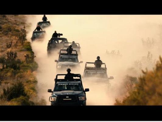 Szenen wie diese muten fast altmodisch an, passen aber hervorragend zum Roadmovie-Style des Films