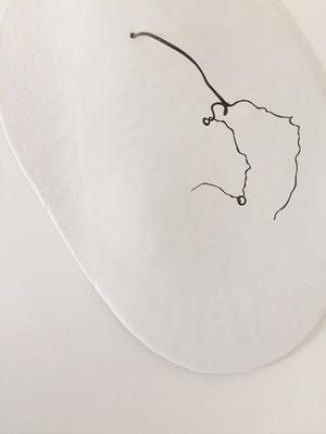 De nature en sommeil, porcelaine-papier, 36x22x3 cm, 2020