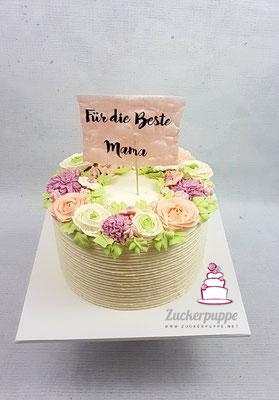 Blüten aus Swiss-Meringue-Buttercreme zum 48. Geburtstag von Francisca