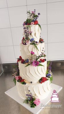 Wiesenblumen und Kräuter zur Hochzeit von Jennifer und Marco