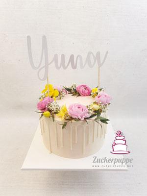 Blümchen - Torte passend zur Einladung zur Taufe von Yuna