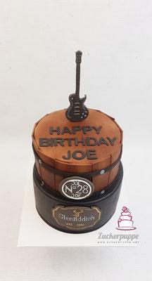 Whisky-Torte mit E-Gitarre zum 28. Geburtstag von Joe