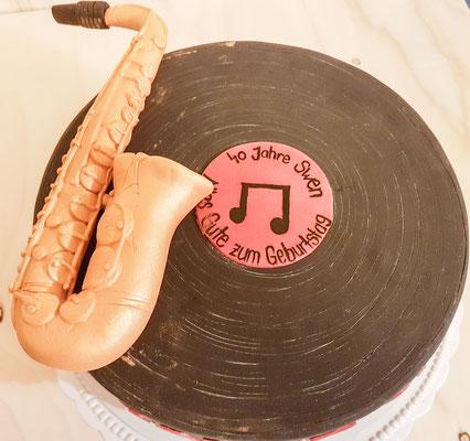 Saxophon und Schallplatte zum 40. Geburtstag von Swen