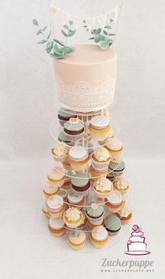 Cupcaketower in Lachs, Eucalyptus und Weiss zur Hochzeit von Angela und Manuel