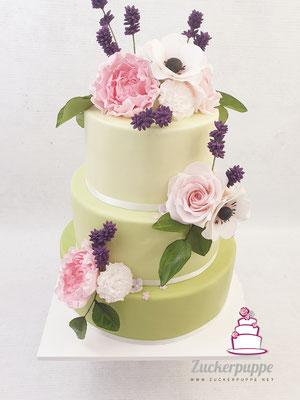 Frühlingstorte mit handmodellierten Zuckerblumen zum 90. Gebuststag von Birce