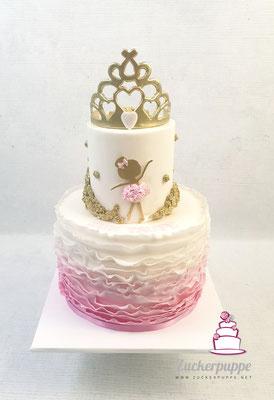 BallerinaTorte mit goldenenm Diadem und Ombre-Rüschen in Rosa zur taufe und dem ersten Geburtstag von Tara
