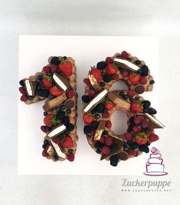 Numbercake mit seinen Lieblingssüssigkeiten zum 16. Geburtstag von Alessandro