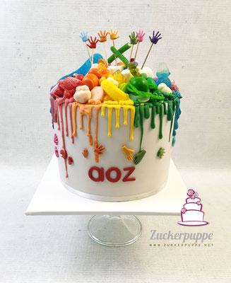 Regenbogen-Dripcake mit vielen Süssigkeiten als Dankeschön für die Sozialarbeiter vom aoz