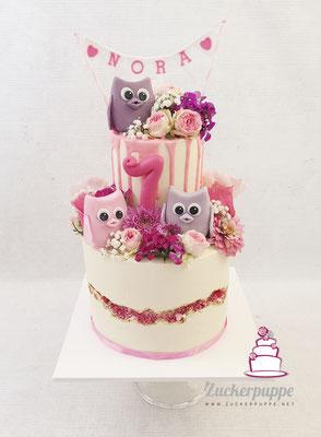 EulenTorte mit rosa Drip und frischen Blumen zum 7. Geburtstag von Nora