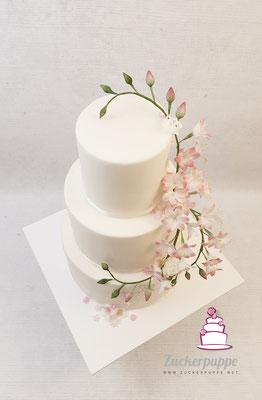 Handmodellierte Freesien aus Zucker zur Hochzeit von Gaby und Joe