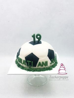 Fussballtorte zum 19. Geburtstag von Julian
