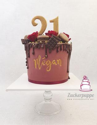 Bordeauxroter Dripcake mit viel Schokolade zum 21. Geburtstag von Mégan