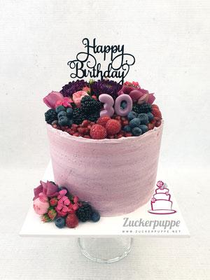 ButtercremeTorte mit frischen Beeren und Blüten zum 30. Geburtstag von Arijana