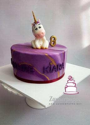 Einhorn Torte mit Violett, Gold und Glitzer zum 8. Geburtstag von Kiara