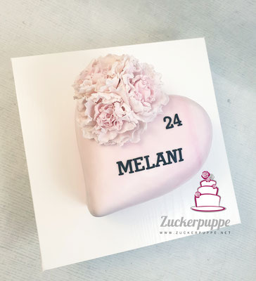 HerzTorte mit modellierten Pfingstrosen zum 24. Geburtstag von Melani