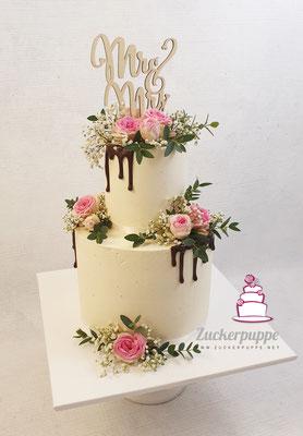 Rosa Rosen, Schleierkraut und Eucalyptus mit Schokoladendrip zur Hochzeit von Moritz und Moni