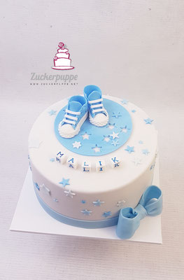 Babyblaue Mini-Converse zur Geburt von Malik