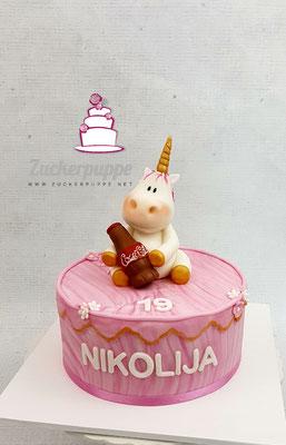 Pinkes Törtchen zum 19. Geburtstag von Nikolija, sie Liebt Einhörner, Cola und Pink