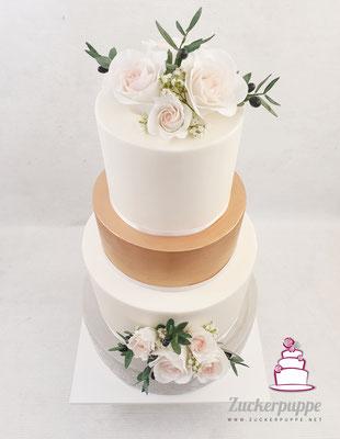 Handmodellierte Zuckerrosen und Olivenzweige zur Hochzeit von Sabrina und Leonel