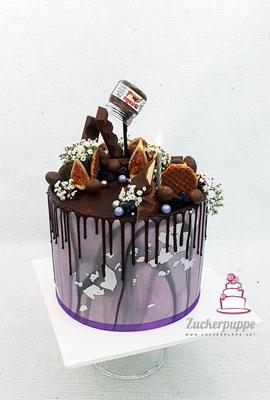 Dripcake mit viiel Schokolade, Lila Marmorierung und Silber zum 28. Geburtstag von meiner Freundin Larissa