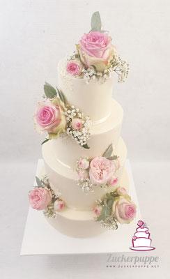 Blumenbouquets in zartem Rosa und Weiss zur Hochzeit von Patricia und Sebastian