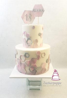 elegante HexagonTorte in Rosa, Grau, Weiss und Silber zum 18. Geburtstag von Riana