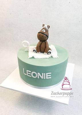 Modelliertes Pferdchen auf türkiser Torte zum 9. Geburtstag von Leonie