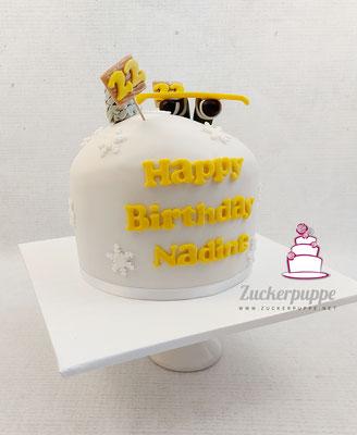 Snowboard - Torte in der Lieblingsfarbe Gelb zum 22. Geburtstag von Nadine
