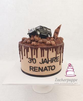 Dripcake mit Defender in ''Schlammlandschaft'' aus Schokolade