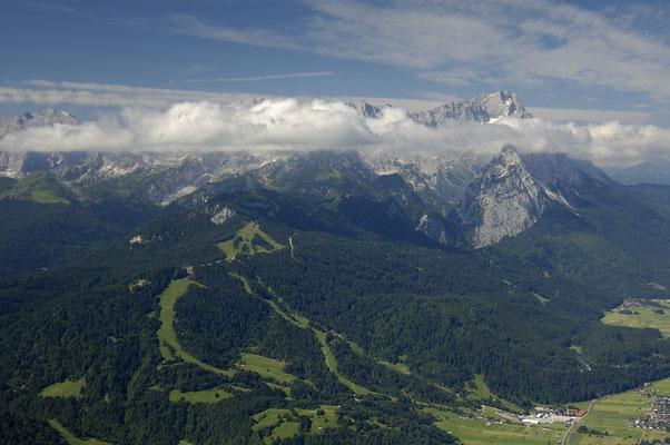 Wettersteinmassiv mit Zugspitze