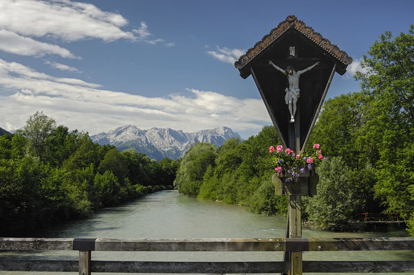 Brücke über der Loisach