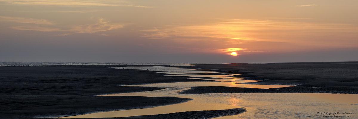 Sonnenaufgang am Strand, Ameland (NL)