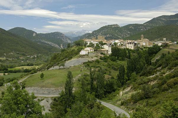 Das Dorf Binies im Anso-Tal