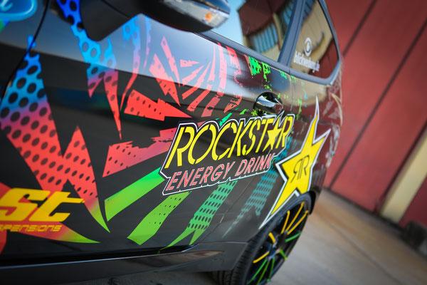 Rockstar Car Wrapping - Ford Fiesta ST Auto Folierung, KFZ Folierung - von Schwarz auf Digitaldruck Rockstar-Design - Blickwerbung in Crailsheim