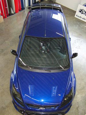 Ford Focus RS - von blau auf Digitaldruck-Design - grün, weiß, schwarz - vorher