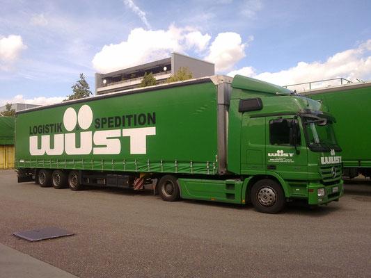 LKW Beschriftung Transporter und Firmenbeschriftung, Teilbeklebung und Vollverklebung - Wüst - Blickwerbung aus Crailsheim