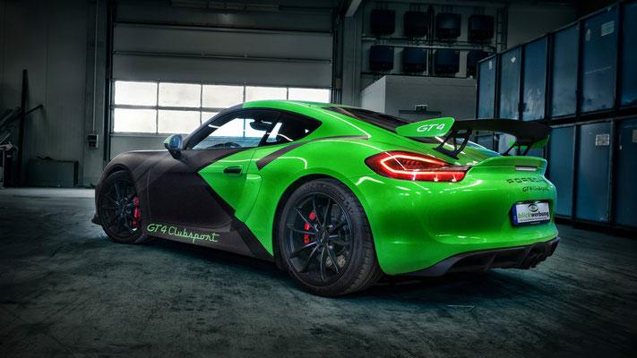 Porsche Cayman GT4 Auto Folierung, KFZ Folierung - von Weiß auf Mattschwarz, Carbon, Leuchtgrün - Blickwerbung in Crailsheim, Heck in grün