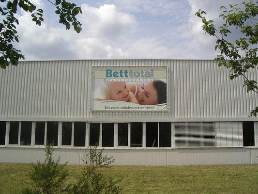 Blickwerbung Crailsheim - Bauzaunwerbung, Bannerwerbung, Banner gesäumt und geöst, Bettenhaus im Kreis Schwäbisch Hall
