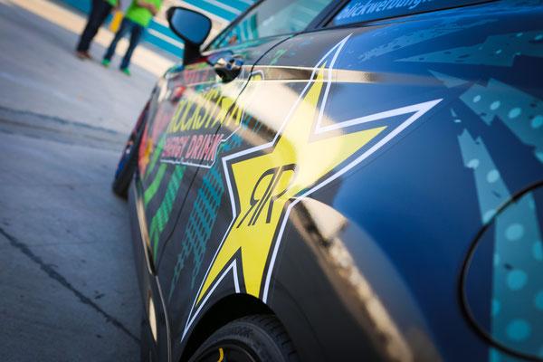 Cool: Rockstar Car Wrapping - Ford Fiesta ST Auto Folierung, KFZ Folierung - von Schwarz auf Digitaldruck Rockstar-Design - Blickwerbung in Crailsheim