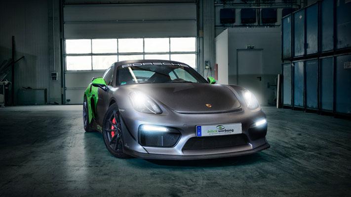 Porsche Cayman GT4 Auto Folierung, KFZ Folierung - von Weiß auf Mattschwarz, Carbon, Leuchtgrün - Blickwerbung in Crailsheim - einfach stark